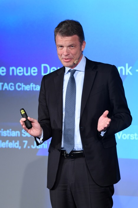 Christian Sewing / Vorstandsvorsitzender Deutsche Bank AG 63. KATAG-Cheftagung in Bielefeld am 07.06.2017 Foto: BrauerPhotos / Neugebauer