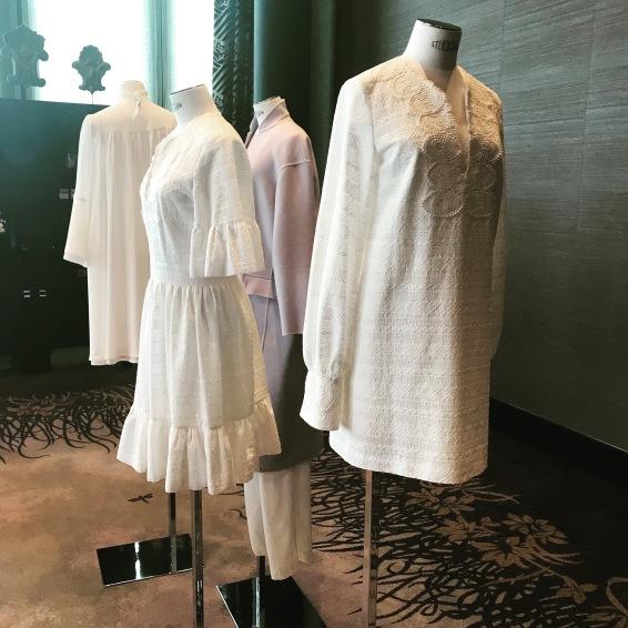 Weiß braucht es zur Neutralisierung: Sly Fashion