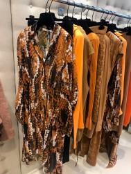 Neue Farbe Mandarin mit Camel und Braun: Liviani Conti, über Mimi Paatzsch Agency